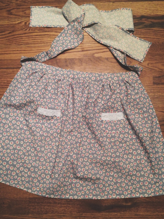"""Vintage"" cafe apron bridal shower gift. I used my great-grandmother's apron as a pattern."